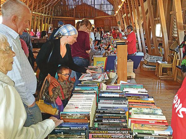 På logen kunde man hitta böcker och annat.