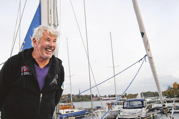 Vid Motala båtvarv träffar vi Mjölbybon Sven-Erik Andersson som är där för service och reparation av sin långfärdsbåt Nikoline.