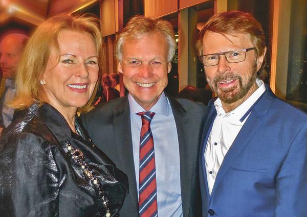 Anders Hanser tillsammans med goda vännerna Anni-Frid Lyngstad och Björn Ulvaeus. Bild: PRIVAT