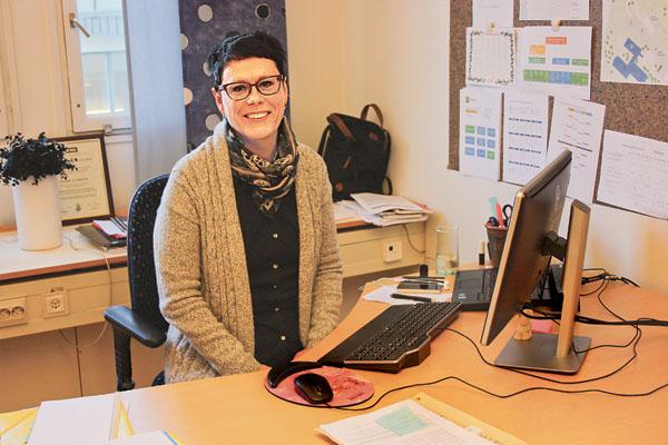 Utvecklingsledaren inom äldreomsorgen Marie Almroth berättade om hur äldreomsorgen fungerar i Åtvidabergs kommun. Det kändes bra att höra att det som hände Wiwi Heggblad och hennes mamma Kerstin Johansson i Norrköping inte skulle kunna inträffa i Åtvidabergs kommun.