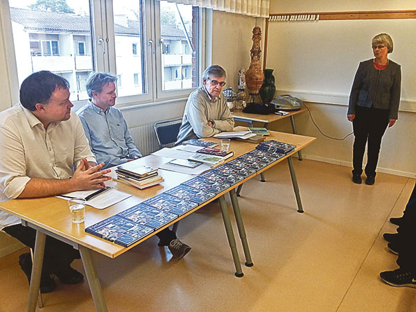 De tre som skapat och författat boken om Författare i Sommenbygd vid presentationen på Österbymo bibliotek: Peter Nyberg, Kjell Johansson och Leif Risberg.