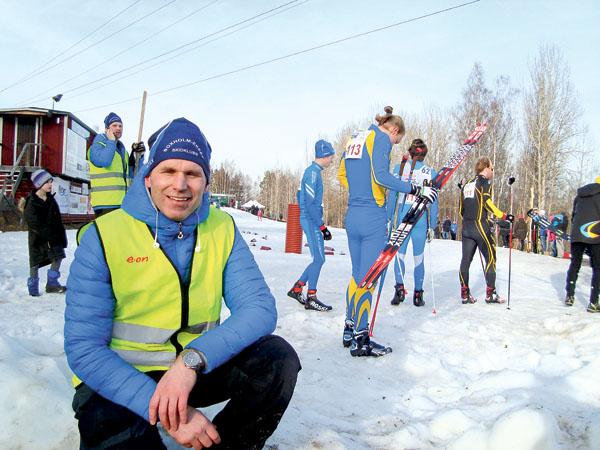 Tävlingsledaren Lukas Larsson var trött men mycket nöjd över genomförandet av det fjärde Götalandsmästerskapet på Vivåsen.