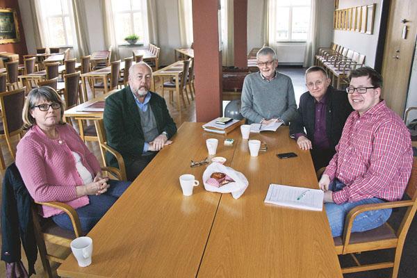 Samtal om infrastruktursatsningar i en blivande större region belägen mellan Stockholm och Skåne där Östergötland och Kalmar län blir kärnan i regionen.