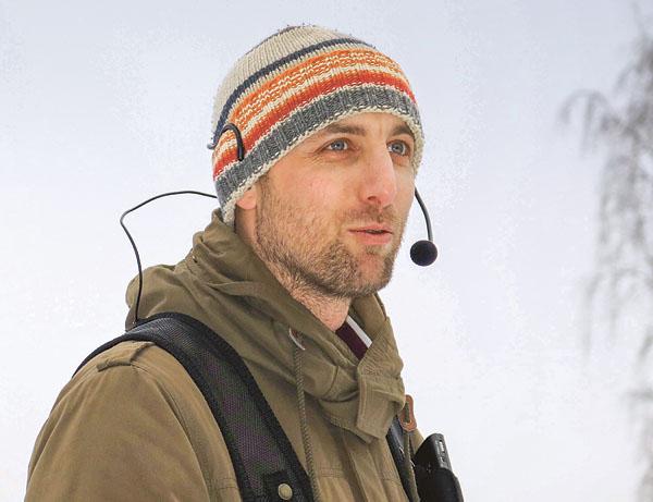 Andreas Schander pratade om sin livsresa i Boxholmsskogen, det var förstås i samband med en Söndagstur. Det var underhållande och väldigt uppskattat. Bild: KLAS JOHANSSON