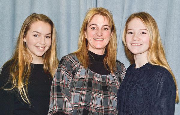 Ida Andersson, Pia Eklind och Ida Eklind ser fram emot Göteborgsresan och ser positivt på resans syfte.