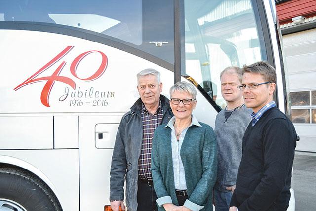 Hällestá buss 40-årsjubilerar och ser ljust på framtiden med planer på expansion.