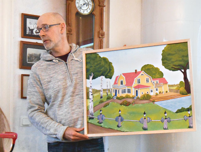 Matte har målat av Magnus Salomonssons hus i Kisa.