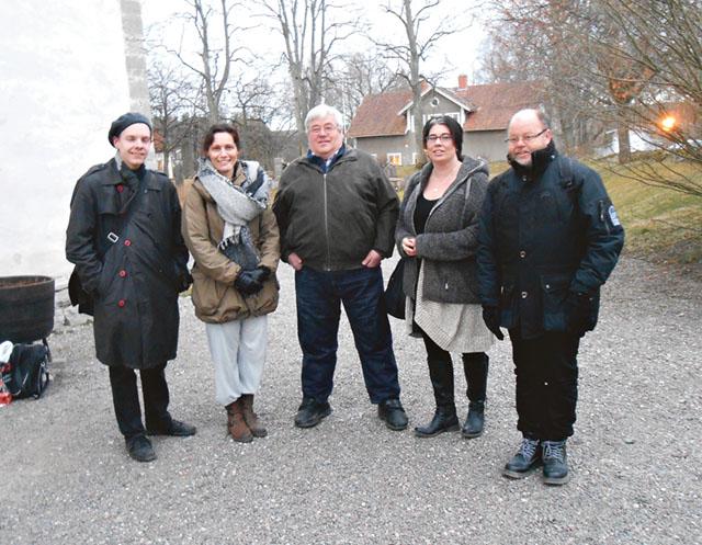 Från vänster ses Rossar, Tabita, Magnus, Jenny och Torbjörn. De är alla deltagare i Skänninge turistbyrås satsning på guideutbildning.