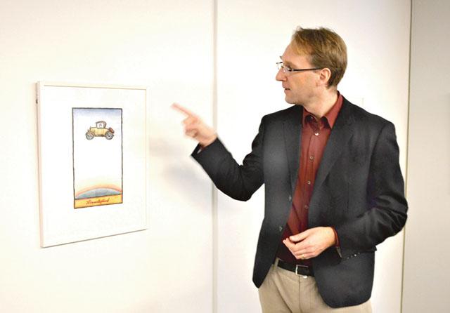 Utställningskommissarie Martin Sundberg presenterade utställningen