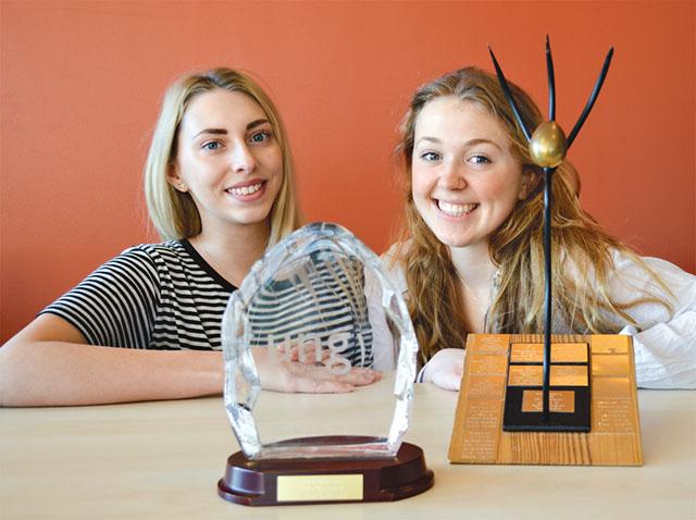Rebecka Höglund och Julia Jamison är två av fyra bakom UF-företaget Glasklart