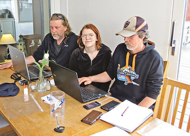 Bakom arrangemanget står Magnus Stendahl, med kompisen Håkan Ek och medhjälpande dottern Lovisa.