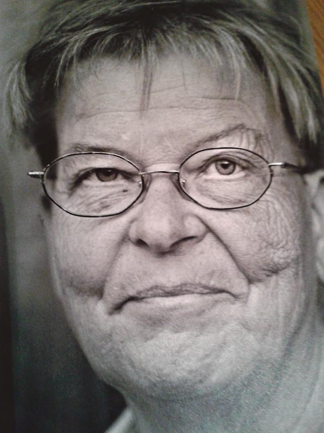 Inga-Britta Ljungeström är knappast någon debutant utan har både dikter, kåserier och romaner på meritlistan sedan tidigare.