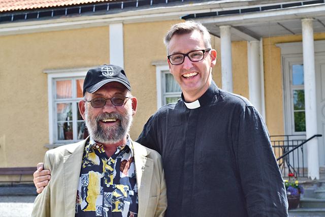 Lasse Torstensson och Karl Magnus Hansson fördjupar sig i prästgårdens historia.