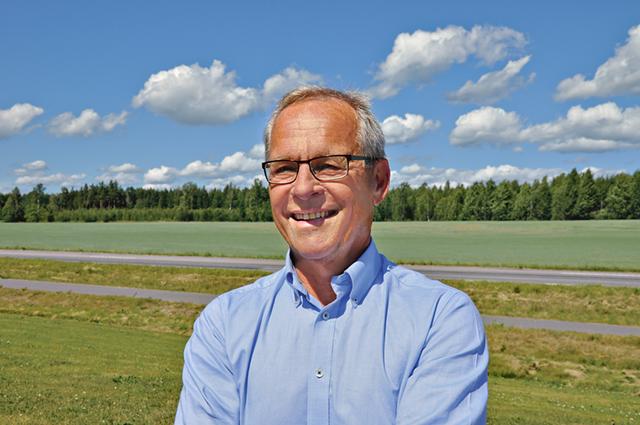 Försöksledaren Lennart Johansson hade tänkt sig att gå i pension i september när han fyller 65. Först sa han nej till att bli tillförordnad vd för Hushållningssällskapet men sedan ändrade han sig och ville gärna göra en sista insats för sällskapet.