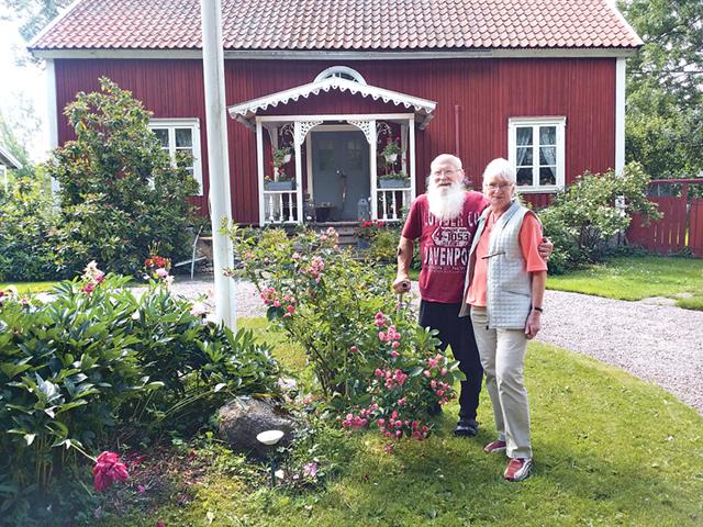 Christina och Ingolf Brangelid, Ramsmåla, Torpa, tog emot besökare för första gången under landsbygdsevenemanget Tusen trädgårdar som anordnades den 3 juli.