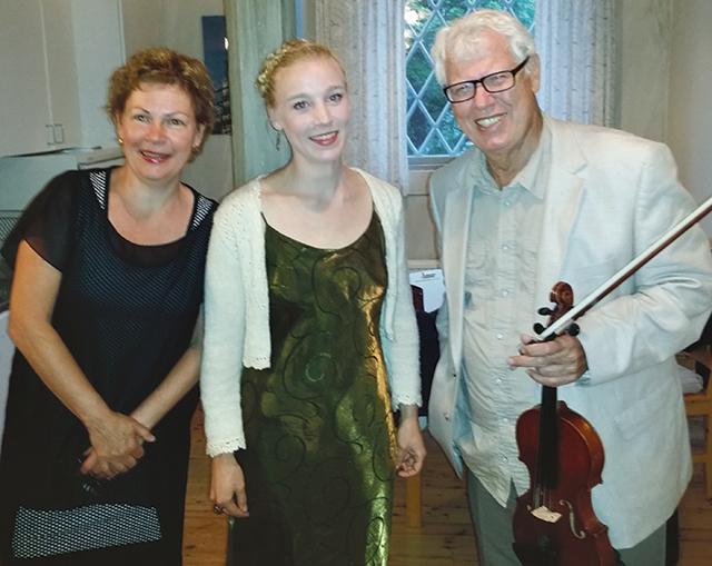 Ann-Sofi Klingberg, Anna Ström och Wille Sundling åter i Blåviks kyrka.