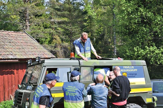 Arkivbilder från gemensam övning där tre FRG-grupper från Linköping och Gröna Gubbar, en motorcykelburen frivillig grupp från Kisa, deltog.