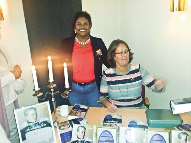 Louise Uggla här med förlagschef Maria Bielke von Sydow.