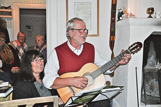 Som avslutning sjöng Fred Johansson en höstvisa ihop med sin sambo Görel Gighorn.