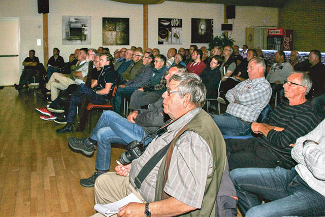 Bland publiken i Riddarsalen finns många erfarna jägare.