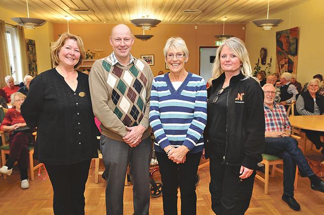 Från vänsterLena Jönsson, Träffpunkten i Östra Husby, Göran Eriksson från polisen, Irene Crona från SPF Seniorerna och Eva Thor från Fixartjänst i Norrköpings kommun.