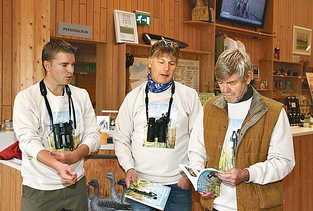 Adam Bergner, Lars Gezelius och Christer Elderud pratar om sin bok 50 år med Tåkerns fältstation 1963-2013.