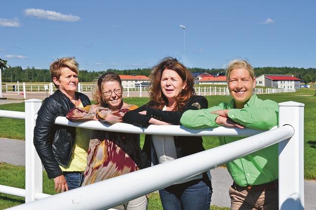 Helena Jaeger, enhetschef transport på Vretagymnasiet, Sabina Clerissy, utställaransvarig, Ann Andersson, mässgeneral och Malin Andersson, Häst och lantliv.