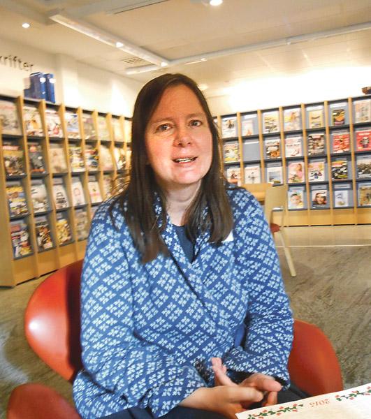 Jag har alltid älskat böcker så mitt yrkesval blev naturligt, berättar bibliotekarien Helena Bengtsson på Mjölby bibliotek.
