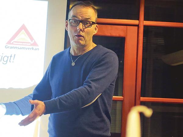 Roger Max är säkerhetssamordnare i både Mjölby och Boxholms kommuner. Han vill gärna ha in synpunkter på vad kommuninvånarna tycker om sin närmiljö.