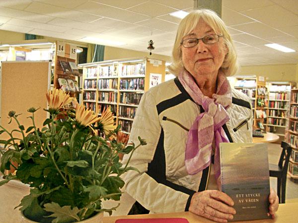 Agnete Kinman, som är bosatt i Östergötland, är präst och läkare med själavårdsutbildning. Hennes föreläsning Att leva sitt liv fullt ut var mycket uppskattad och den var uppstarten för de filosofiska träffarna på biblioteket.
