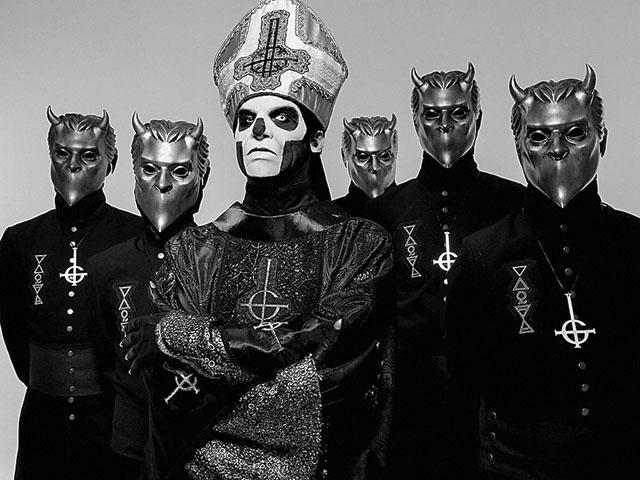 Linköpingsbandet Ghost vann nyligen en amerikansk Grammy. Nu turnerar de med Åtvidabergsbördiga bandet Dead Soul.