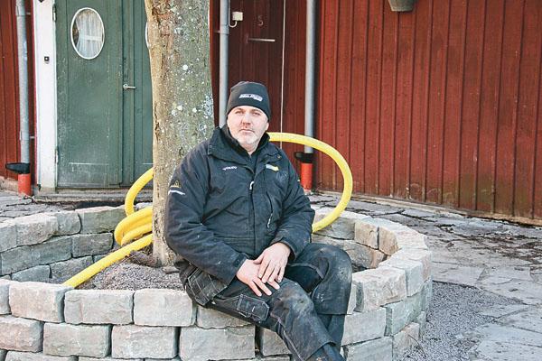Förra året utsågs Aldéns allservice till årets nyföretagare. Sören Aldén i en privat trädgård, som företaget skapar.
