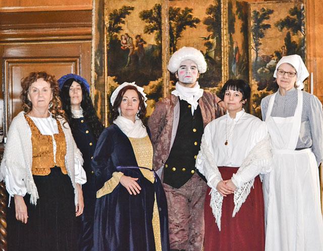 Susanne Persson, Sofia Nerman, Viktoria Ahlin, John Johansson, Annika Svensson och Kicki Pauser är gänget från Kulturskolan som ger en dramatiserad historielektion.