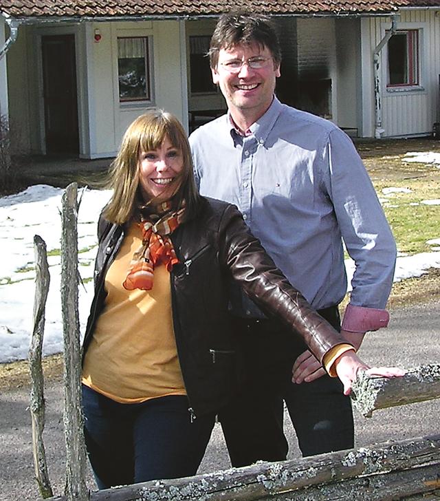 Annika Bergman och Jörgen Martinsson som välkomnar både säsongens personal och gäster.
