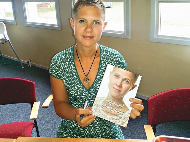 Cecilia Vestgöte höll presentation och boksläpp av sin nyskrivna bok; Vägen till själslig frihet