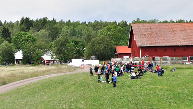 På den sträcka som kallades Hökhult och var 17,9 kilometer lång passerades Åshorva söder om Horn.