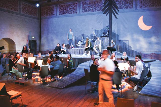 """Repetition pågår av operan """"Comala""""."""