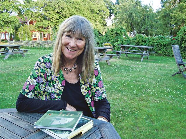 Det är alltid roligt att få komma hem till Östergötland och prata om mitt skrivande, sade Ingela och berömde också Malexander för att det är så vackert.