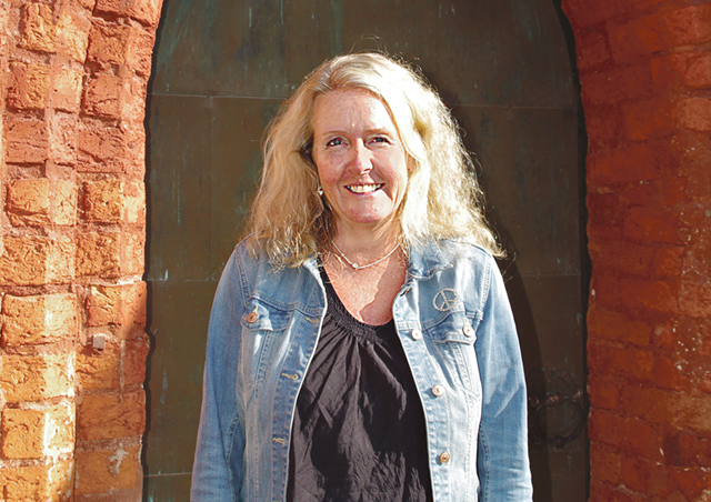 """Kyrkoherde Åsa Ström Broman lämnar sin tjänst i Söderköping S:t Anna församling för att bli ambulerande präst i Sydamerika med bas i New York under fem år. """""""