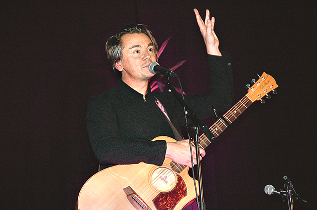 Emil Jensen – poet, musiker, skådespelare och radiopratare – har besökt Rimforsa.