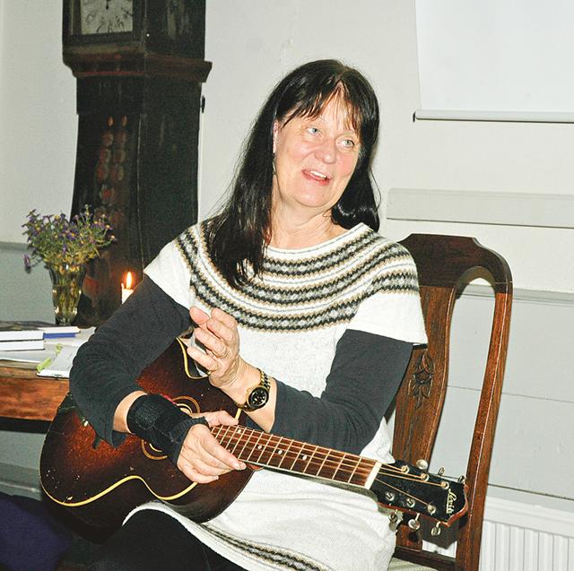 Ballader berättar alltid en historia, som man kan se som en film för sitt inre, och Marie Länne Persson dramatiserade berättelserna genom sitt framförande.
