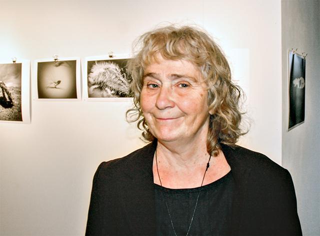 Vitpunkter är Kisabon Margareta Wimans första utställning.